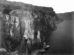 IDAHO: SNAKE RIVER CANYON. Cliffs along the Snake River Canyon in southern Idaho