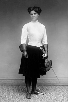Mrs. William H. Dewar of Philadelphia, U.S. national champion in women's foil in 1913