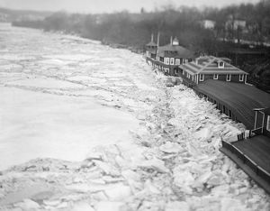 POTOMAC FLOOD, c1915. Ice on the Potomac River after a flood. Photograph, c1915