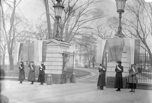 WHITE HOUSE: SUFFRAGETTES. Suffragette picketers outside the White House in Washington, D
